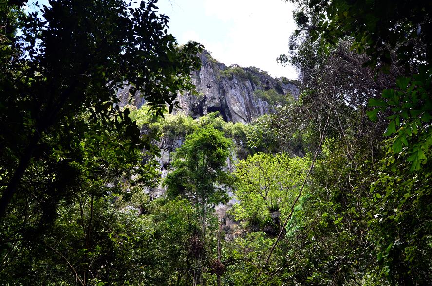 Lobang Lelong Cave