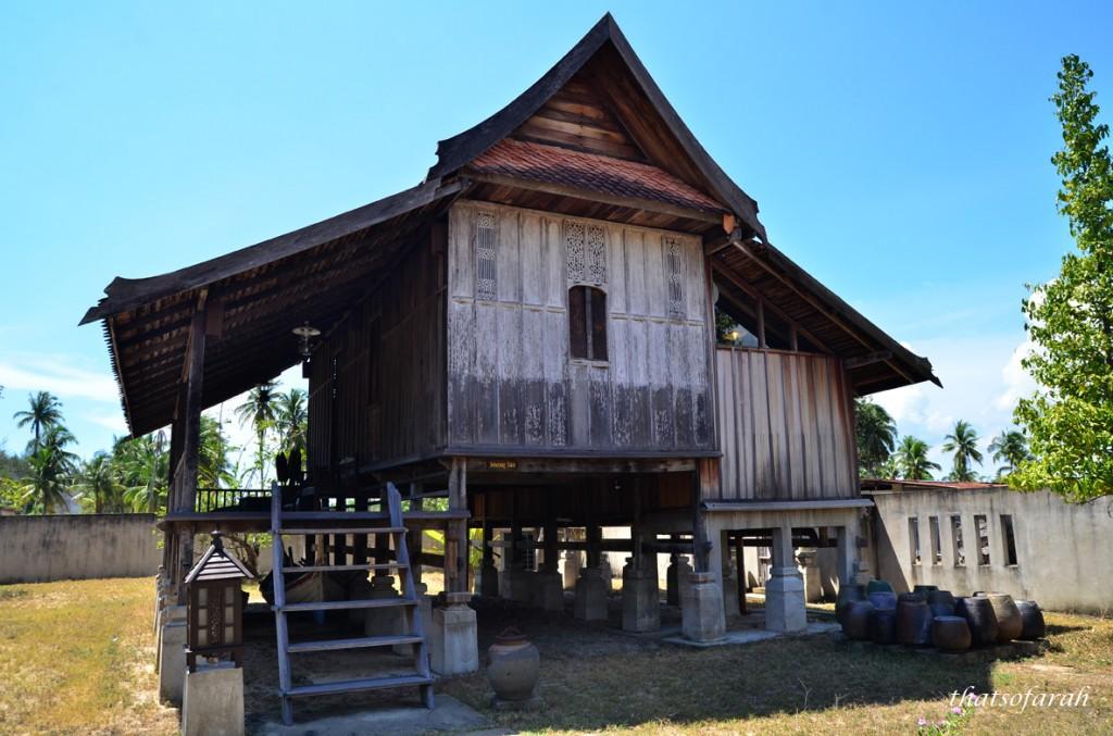 Rumah Seberang Takir