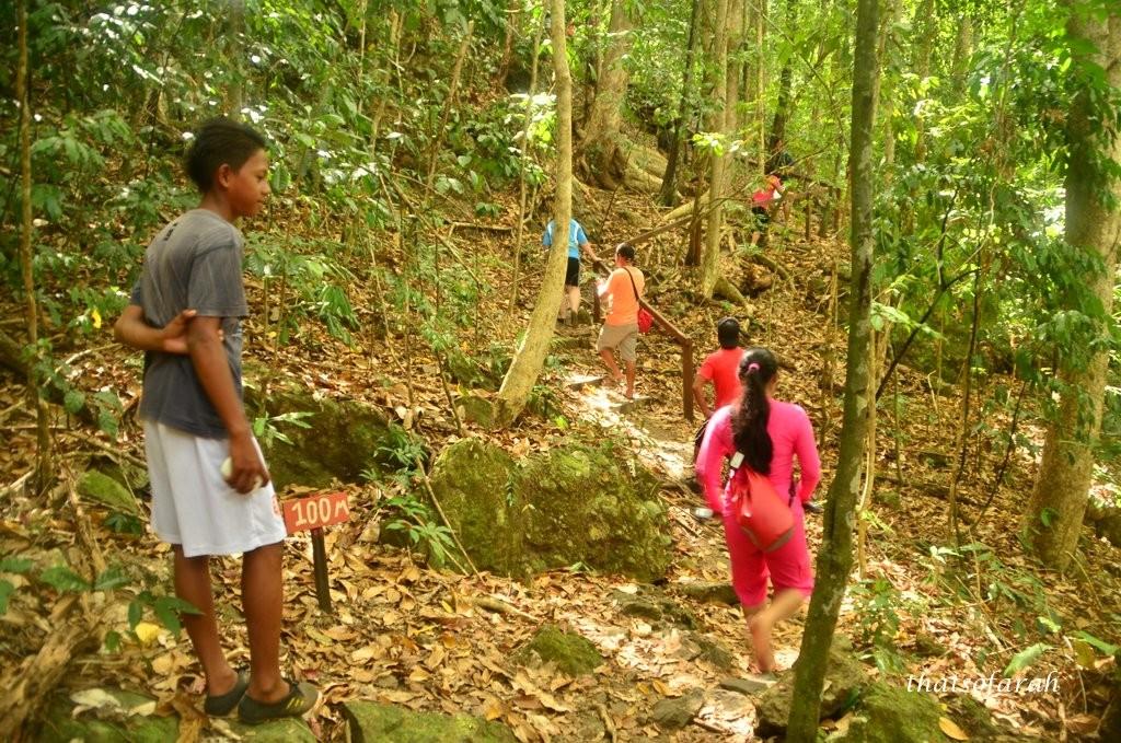 trekking to bohey dulang