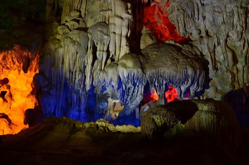 Dao Gu Cave Halong Bay