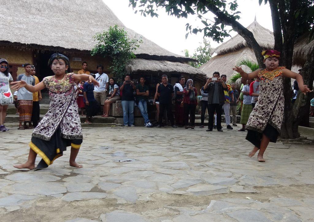 Petuk Dance