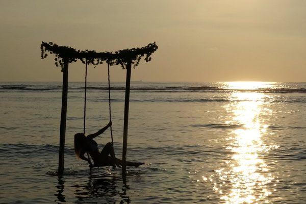 Gili Trawangan - Snorkeling and Sunset Swing