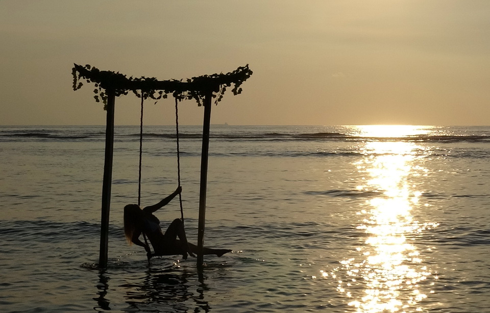 Sunset Swing Gili Trawangan